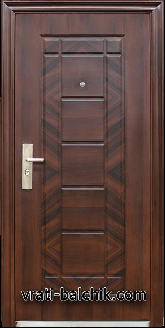 Блиндирана входна врата модел 018-7